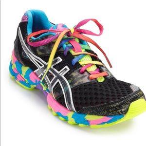 ASICS Gel Noosa women's  Tri 8 size 7 sneakers